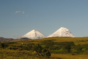 4. Вулканы Ключевская Сопка и Камень_600